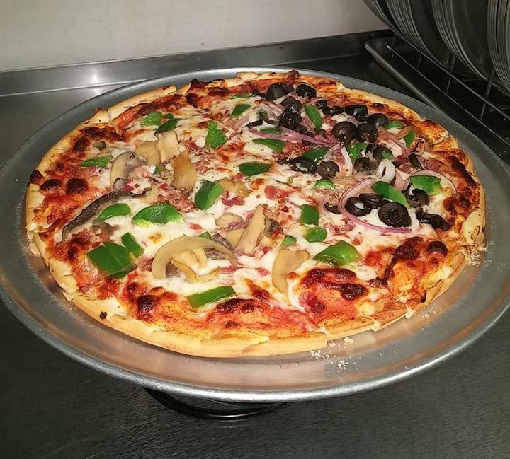 Pizza at Procopio's