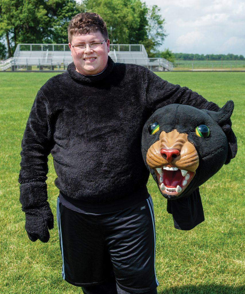 Mason Hinkle as Pepe